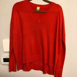 QMack v-neck sweater